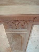 Деревянный камин в ресторан Levada