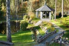 Загородный дом с беседкой барбекю в Лемболове